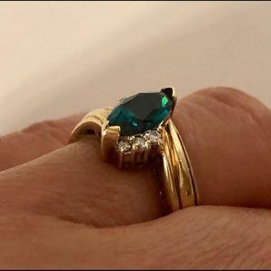 Jewelry - 🍀10K Gold Natural Emerald & Diamond Ring